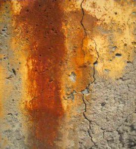 Un- und niedrig legierte Stähle können von ganzflächiger Korrosion betroffen sein