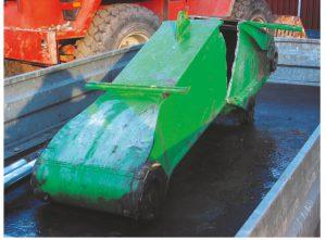 Das Foto zeigt den Ermüdungsschaden an einem Baggerausleger im Zugbereich.
